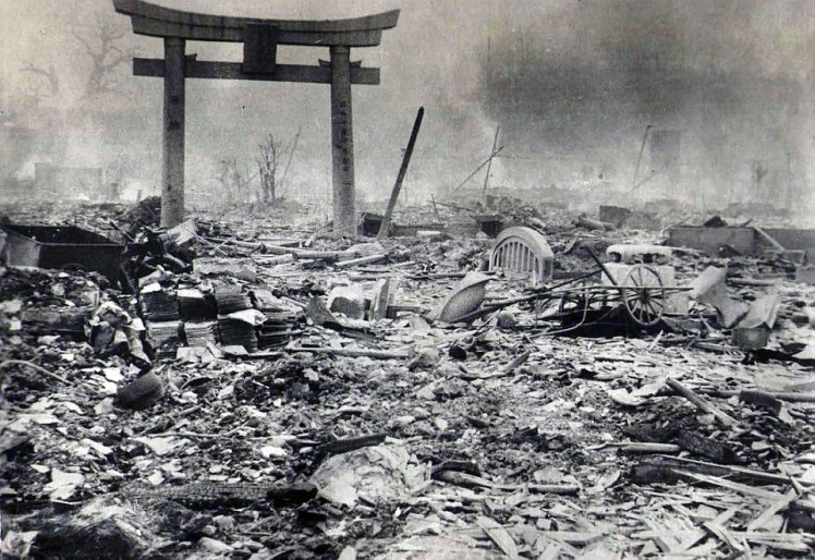 2b24774e00000578-3186815-devastated_hardly_any_buildings_in_hiroshima_were_left_standing_-a-96_1438857513539